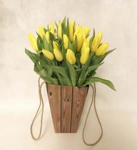 Букет из тюльпанов в коробке №819