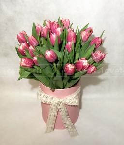 Букет из тюльпанов в коробке №822