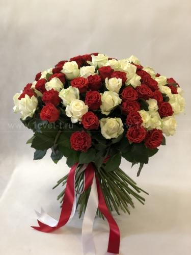 Букет из 101 красной и белой розы № 886